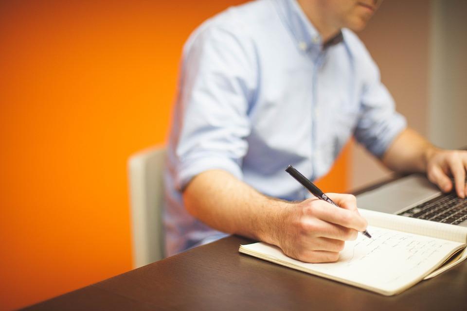 Javni oglas za popunu upražnjenog radnog mjesta stručnog saradnika za ekonomsko-finansijske poslove