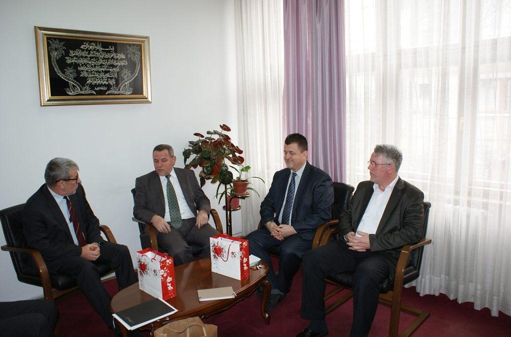 Delegacija Uprave za obrazovanje i nauku Rijaseta Islamske zajednice u BiH u radnoj posjeti Fakultetu