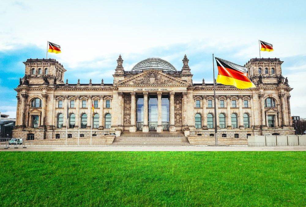 JAVNI POZIV STUDENTICAMA I STUDENTIMA  za podnošenje prijava za ferijalni rad u SR Njemačkoj u 2020. godini