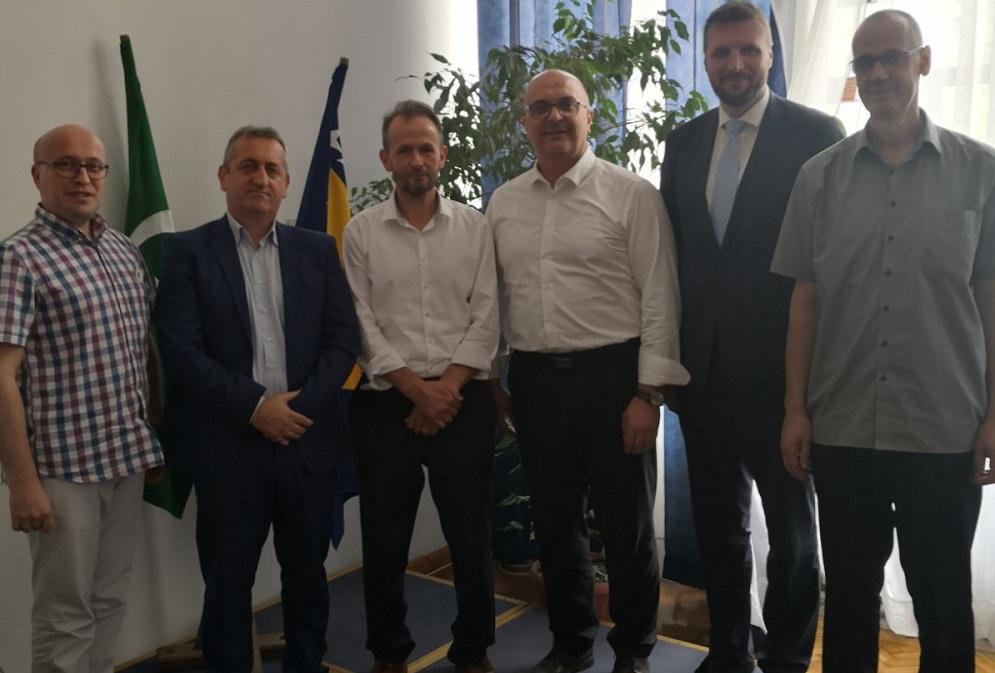 Fikret Kalabić uspješno odbranio magistarski rad